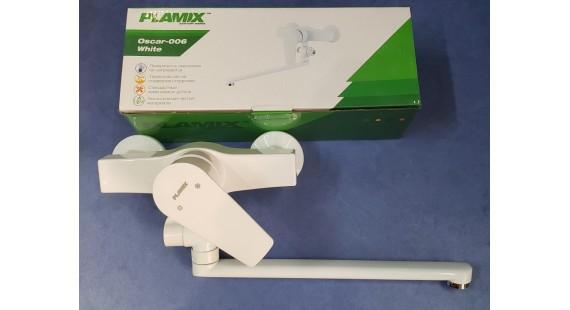 Смеситель пластиковый белый для ванны Plamix Oscar 006W  photo1