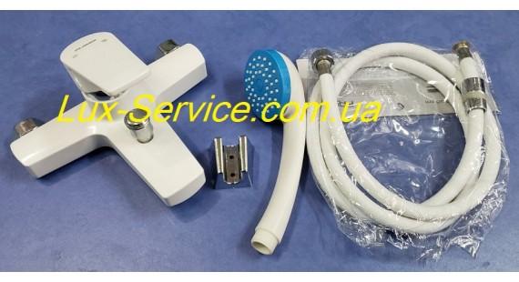 Смеситель пластиковый белый для ванны Plamix комплект photo1