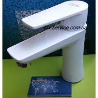 Пластиковый смеситель для раковины PERFEKT Focus белый