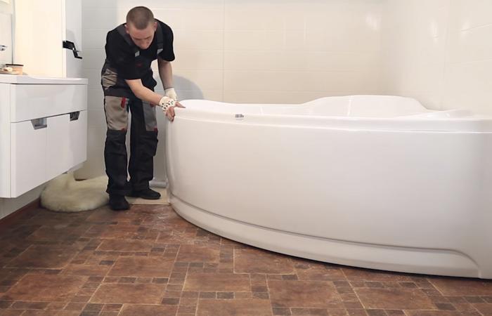 Способы монтажа экрана или короба под ванну
